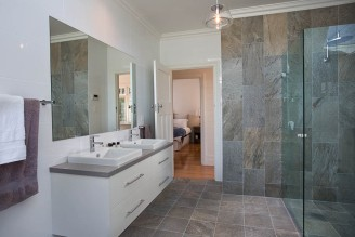 Display-Home-Bathroom